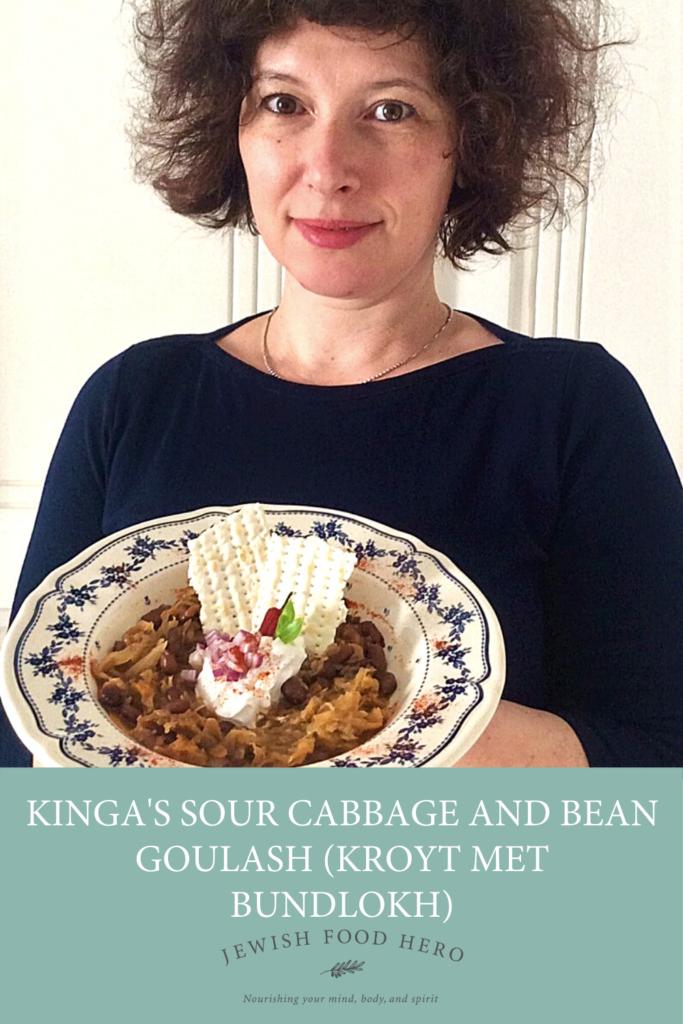 Kinga's Sour Cabbage and Bean Goulash (Kroyt met bundlokh)